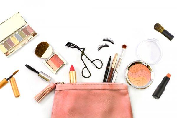 4 Trik Hemat Belanja Makeup dan 10 Rekomendasi Makeup Terbaru yang Harus Segera Kamu Miliki