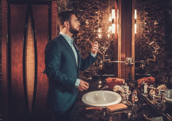 10+ Pilihan Parfum Lacoste untuk Pria Maskulin dan Elegan Agar Semakin Memikat
