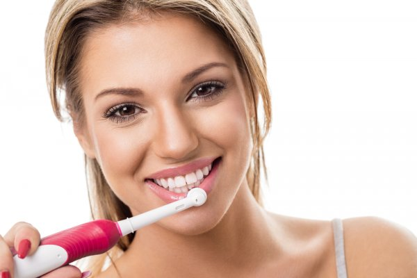 Menyikat Gigi Lebih Cepat dan Bersih dengan 9 Rekomendasi Sikat Gigi Elektrik Berikut Ini (2020)
