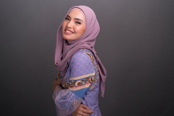 Tampil Anggun dan Elegan di Berbagai Acara dengan 10 Rekomendasi Kebaya Hijab (2020)