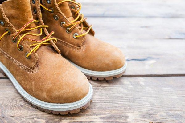 8 Pilihan Sepatu Boots Untuk Pria Dan Wanita Yang Fashionable (2018)