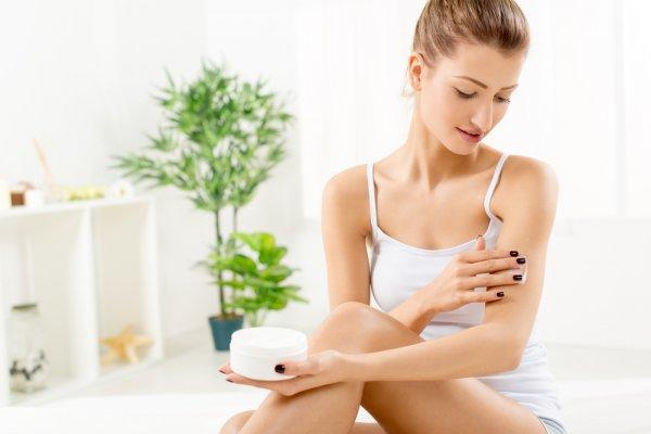 Kulit Kamu Kering dan Bersisik? Ada 10 Rekomendasi Body Lotion yang Bisa Kamu Gunakan