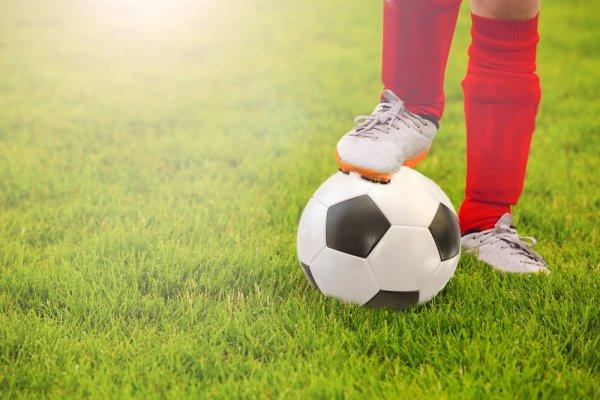 Bermain Futsal Lebih Lincah dan Eksplosif dengan 10 Rekomendasi Sepatu Futsal Original