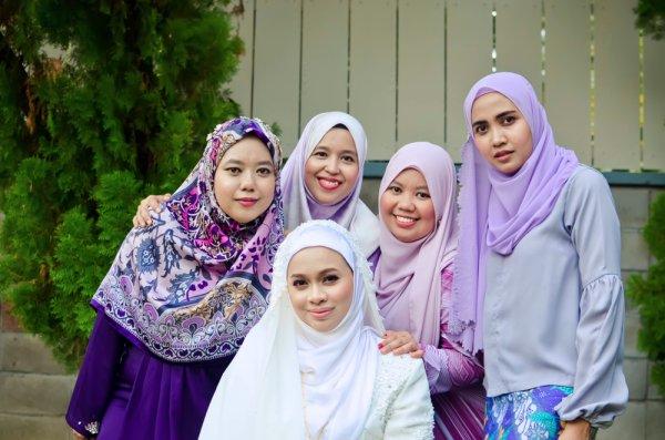 Sempurnakan Tampilan Para Bridesmaid dengan 10 Rekomendasi Gaun Bridesmaid Hijab Rekomendasi BP-Guide (2020)