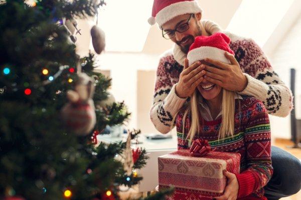 Natal Segera Tiba, Yuk Kenali Seluk-beluk Natal dan 10 Ide Kado Natal Pilihan!