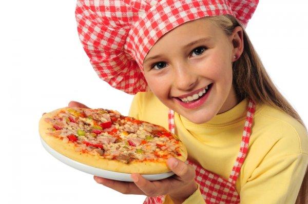 Mudah Kok! Ini Lho 7 Resep dan Cara Membuat Pizza yang Bisa Dilakukan di Rumah!