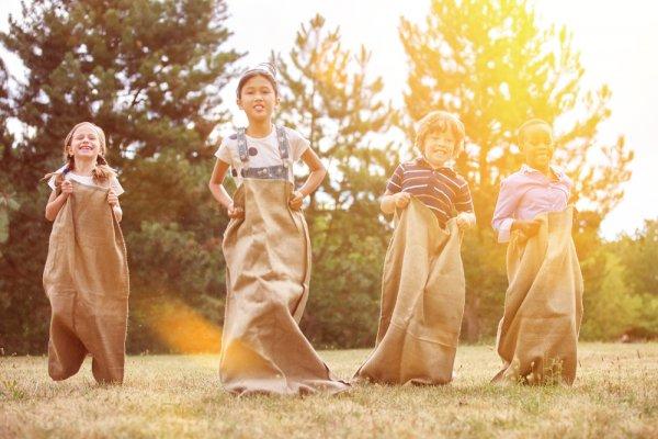 Ingin Menyelenggarakan Lomba untuk Anak-anak? Ada 8 Rekomendasi  Hadiah yang Cocok untuk Dipilih