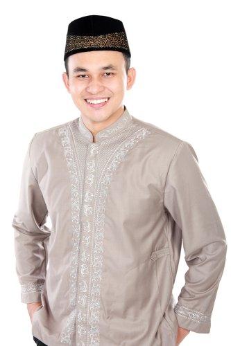 10 Pilihan Baju Muslim Laki Laki Terbaru di 2018