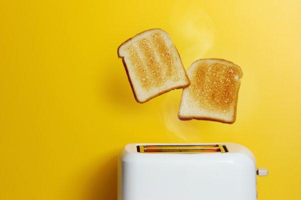 Sarapan Roti Panggang Jadi Lebih Cepat dengan 10 Rekomendasi Toaster Terbaik (2021)