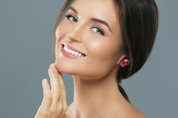 Coba Tutorial Makeup Glowing dengan Menggunakan 10 Rekomendasi Kosmetik yang Tepat untuk Kulit Berkilau (2019)