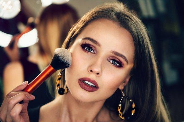 Ketahui Trik Mendapatkan Makeup Bagus dan 10 Rekomendasi Produk Kosmetik untuk Makeup yang Sempurna