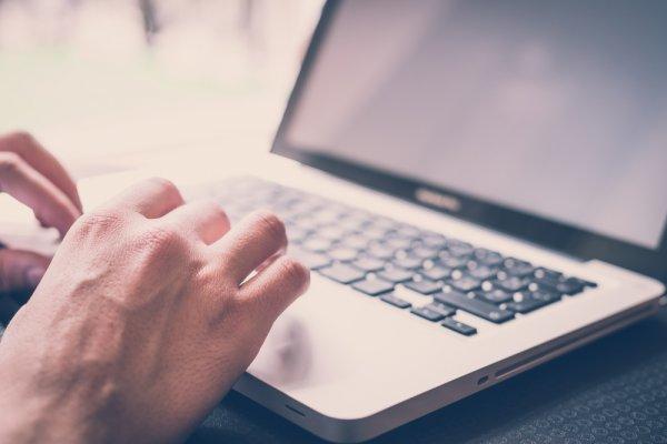 Persiapkan Jantungmu untuk Melihat 9 Laptop Termahal di Dunia