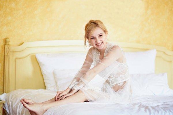 Mau Kesan Seksi? Ini Dia 8 Model Gaun Tidur untuk Pengantin Baru Terpopuler untuk Malam Pertamamu!