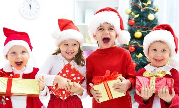 Ceriakan Anak dengan 10 Ide Kado Natal untuk Anak-Anak