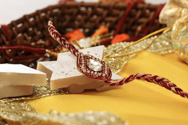 Gift Your Sibling Something Unique on Raksha Bandhan 2019: Choose from  Our 12 Recommendations for Brothers and Sisters to Let Them Know How Much You Care!