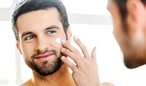 Looking for a Men's Skin Care Routine You Can Use Every Day(2020)?  Best Skincare Routine for Men That are Easy to Follow, Takes Little to No Time to Apply, and Will Leave Your Skin Thanking You Afterwards.