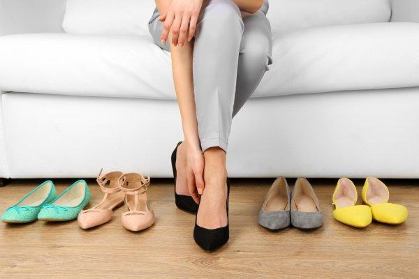 Gak Biasa Pakai High Heels? Coba Gunakan Flat Shoes Kekinian ini untuk Kerja