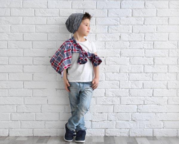 Gaya Si Kecil Makin Sempurna dengan 10 Rekomendasi Celana Jeans Anak Laki-laki Berikut (2020)