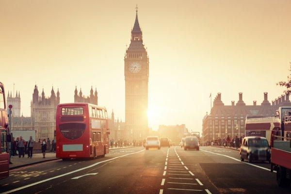 Punya Rencana ke London? Cek Dulu Lokasi Wisata Belanja dan 9 Rekomendasi Oleh-oleh untuk Keluarga
