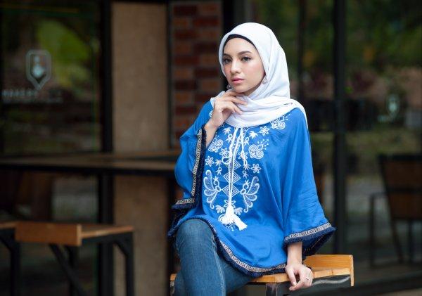 Tampil Stylish dengan 11 Hiasan Hijab Berikut Ini