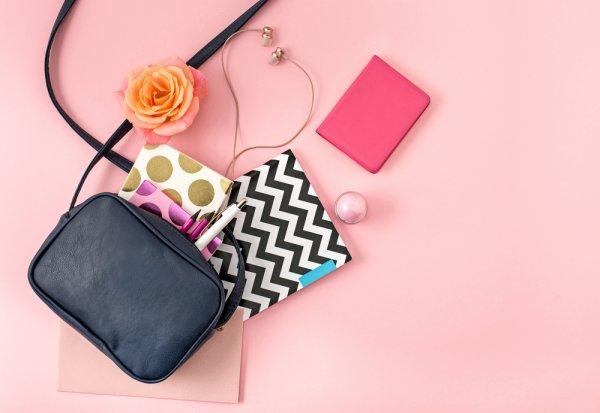 10 Jenis Tas Wanita yang Stylish dan Cocok untuk Jalan-jalan