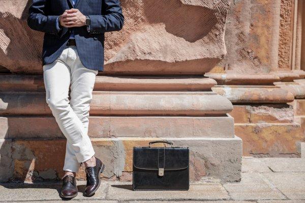 Tampil Keren dan Berkelas dengan 7 Rekomendasi Sepatu Kulit Pria yang Oke dan Berkualitas (2018)