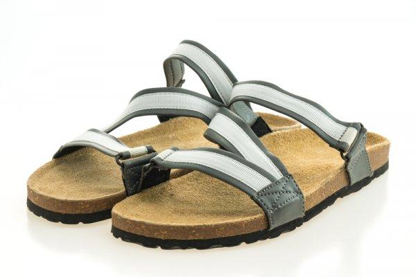 Tips Tampil Trendy dengan Sepatu Sandal dan 8 Brand yang bisa Jadi Pilihan (2017)