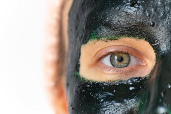 10 Rekomendasi Masker Spirulina untuk Wajah Lebih Sehat dan Berseri (2021)