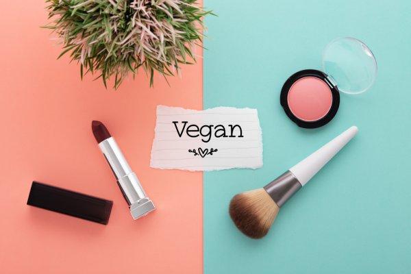 Kamu para Vegan Warrior, Simak 10 Rekomendasi Vegan Makeup Ini (2021)