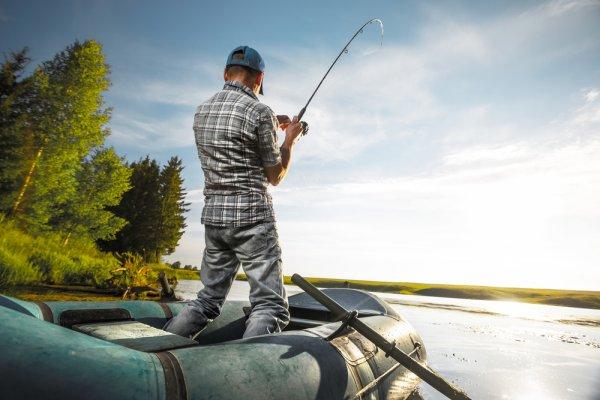 Memancing di Alam Liar Tak Jadi Masalah dengan 10 Rekomendasi Alat Pancing Casting Pilihan BP-Guide Ini!
