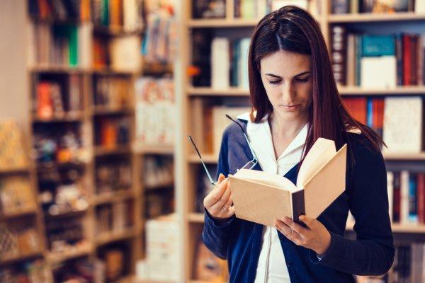 Perkaya Wawasan Anda dengan 10 Rekomendasi Buku Sejarah Dunia yang Asyik Dinikmati dan Tidak Membosankan