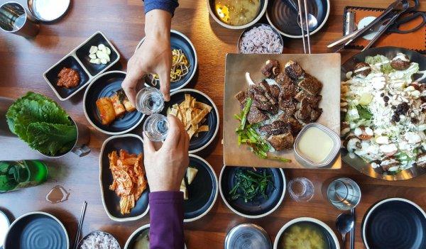 Kamu Pecinta Korea? Harus Punya Peralatan Makan ala Korea, Dong! Ini 10 Rekomendasinya (2020)
