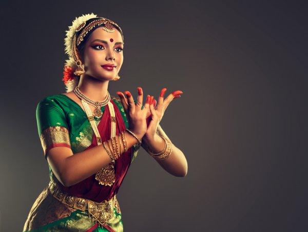 9 Makanan India Lezat yang Siap Menggoyang Lidah Anda