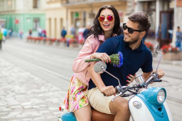 Jadi Trendsetter Dan Tampil Modis Dengan 10 Pilihan Kacamata Fashion Ini Bukan Lagi Impian!