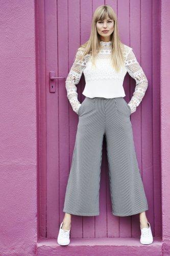 9 Baju Setelan Kulot Terbaru Supaya Tetap Trendi