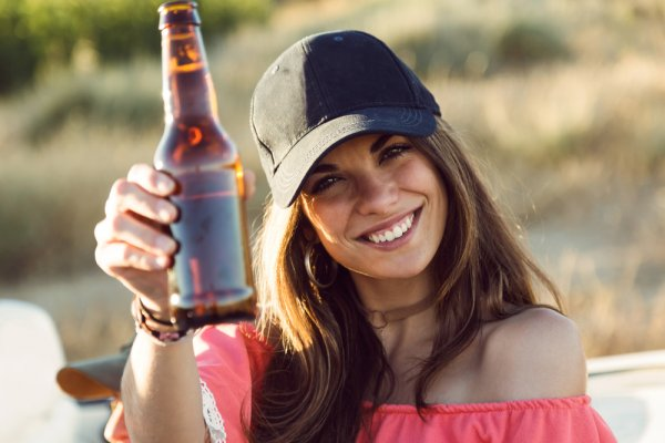 Minuman Berakohol Punya Manfaatnya Lho, Inilah 8 Jenis Minuman Keras Pelepas Penat yang Mudah Ditemukan di Setiap Bar