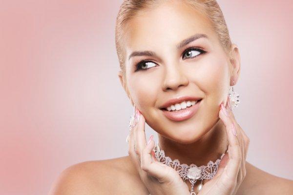 Ingin Tampil Cantik Meski Low Budget? Pilih 8 Perhiasan Wanita di Bawah Rp 200 Ribu yang Memikat Ini!