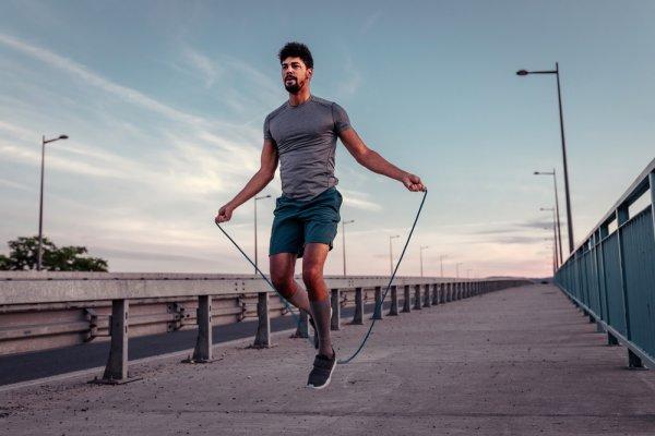 Jangan Malas Olahraga di Rumah, Yuk Lompat Tali dengan 10 Rekomendasi Tali Skipping Terbaik Berikut (2021)