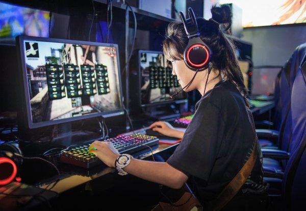 Main Game Makin Seru dengan 11 Headphone Gaming Murah di Bawah Rp 200 Ribuan Ini