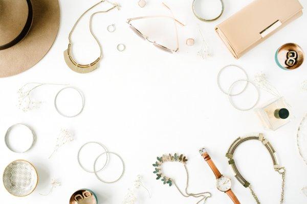 Cara Membuat 11 Aksesori Wanita Handmade yang Cantik untuk Dipakai Sehari-hari