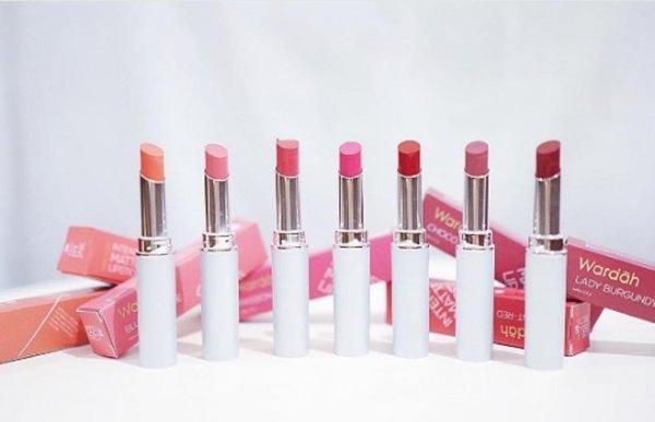 Tampil Menawan dan Segar dengan 8+ Lipstik Favorit dari Wardah, Halal dan Berkualitas