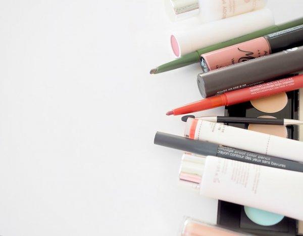 10 Rekomendasi Rak untuk Menyimpan Kebutuhan Makeup-mu agar Tetap Rapi (2019)