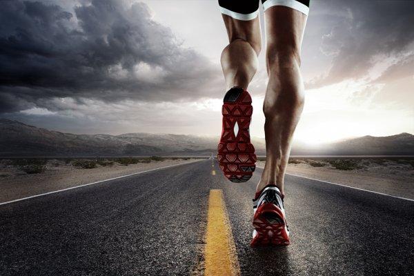 Baru Memulai Olahraga Lari? Jangan Sampai Salah Memilih Sepatu yang Tepat, Ini 10 Rekomendasinya (2019)
