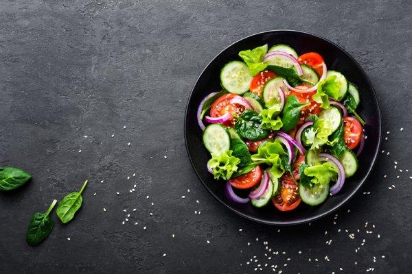 Manfaat Mengonsumsi Salad dan 7 Rekomendasi Resep Salad yang Enak untuk Hidup Lebih Sehat