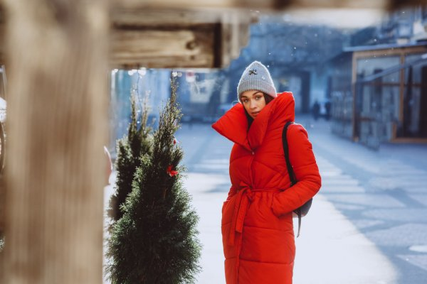 10 Rekomendasi Jaket Wanita Kekinian untuk Gaya Lebih Fashionable (2021)
