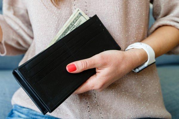 10 Rekomendasi Dompet Wanita Lucu dan Berkualitas Bagus (2020)