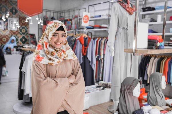 Tampil Fashionable dan Chic dengan 10 Rekomendasi Kaos Tunik yang Cocok untuk Para Hijaber Nih