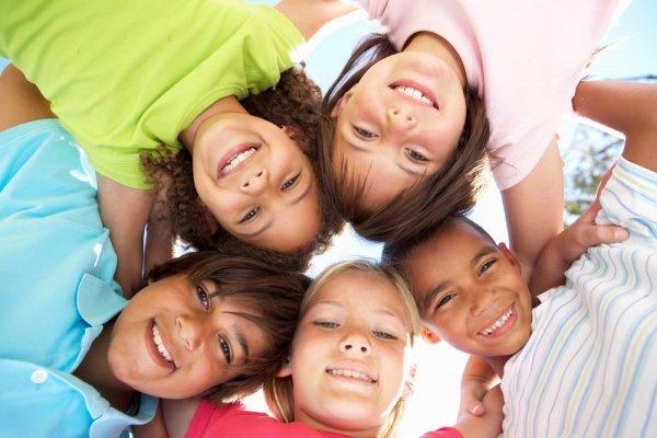 Punya Anak Usia TK atau SD? Ini Dia 10 Baju Anak Dewasa Terbaru bagi Buah Hati Anda!