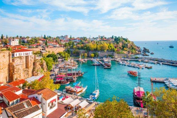 Jalan-jalan ke Turki? Jangan Lupa Kunjungi 10 Rekomendasi Tempat Wisata Favorit Ini!