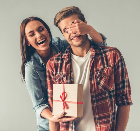 10 Rekomendasi Kado Ulang Tahun Suami Agar Hubungan Semakin Mesra (2020)